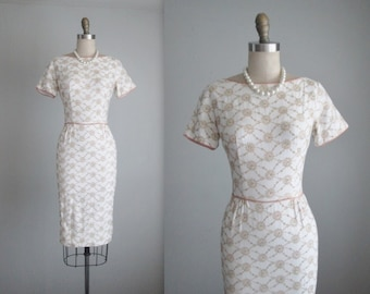 50's Embroidered Dress // Vintage 1950's Embroidered White Cotton Garden Party Wiggle Dress XS