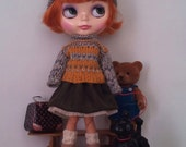 Outfit for Blythe and Pullip: knitted cable sweater and double layered skirt
