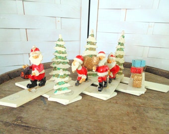 Glitter Wood. PRIMITIVE CHRISTMAS. Four Santas. Folk Art Christmas. Wooden Santa. vintage 1950s. Christmas Decoration. Handmade. Expandable