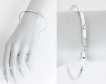 Vintage 70s Bracelet / 1970s Sterling Silver Star Etched Skinny Bangle