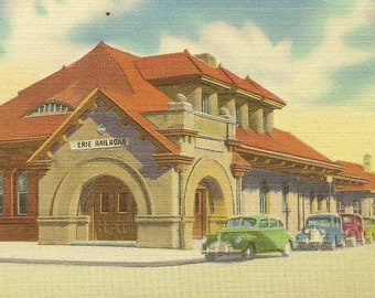 MIDDLETOWN NY Erie Railroad Station Unused Vintage Linen Postcard Great Train Railway Collectible Card