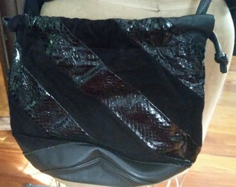 Vintage Black Snakeskin Leather and Suede Purse Pocketbook Classic 1980s Accessory Drawstring