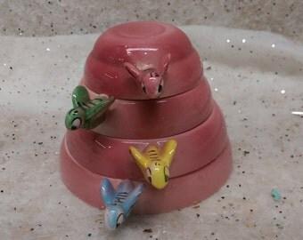 Retro Pink Beehive Measuring Cups Menschik Goldman Vintage Mid-century