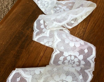 White Vintage Floral Lace Trim - antique lace, retro lace, sewing supply, wedding supply, bridal lace, thin lace trim, polyester lace, wide