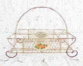 Vintage White  Chippy Wire Drink Caddy
