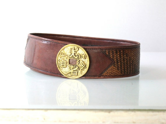 vintage wide leather belt with brass buckle by cocovintages