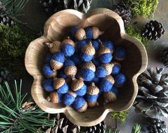 Felted wool acorns, Mountain Blue, wholesale set of 50, for winter decor, table decoration, blue bowl filler, woodland wedding, blue acorn