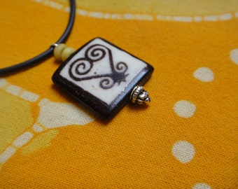 Sankofa Heart Adinkra West African Symbol Batik Bone Pendant Necklace Ashanti Trade Bead