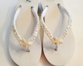 Wedding Flip Flops/Bridal Flip Flops /Wedges. White Bridal Shoes.Beach Wedding Shoes. Wedding Sandals. Starfish Flip Flops