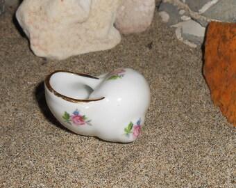 Miniature Seashell porcelain Figurine roses gold trim C. P. I. made in france