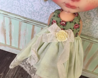 Blythe Dress - Green with Roses