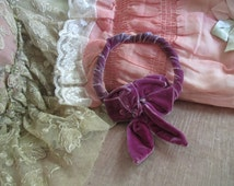 FAB Antique Vintage 1920's  Bow Salvaged From Display Mauve Pink Purple Velvet A94
