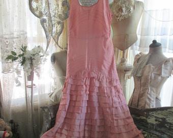 Vintage Shabby Chic Pink Taffeta Style Ruffled Dress Q116