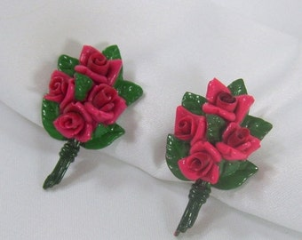 ON SALE Vintage Earrings Red Rose Bouquet Screw On Screwback