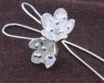 1 pair of Karen Hill Tribe Silver Flower Earrings 13 mm. :ka4156