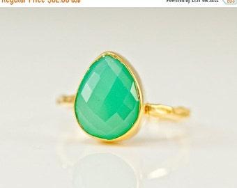 WINTER SALE - Chrysoprase Ring - Gemstone Ring - Stacking Ring - Gold Ring - Tear Drop Ring