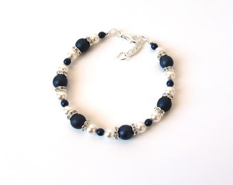 Pearl & Midnight Blue Beaded Bracelet, Gift for Her, Dark Blue Bracelet, Deep Blue Bracelet, Bridesmaids Gifts, Maid of Honor Gift
