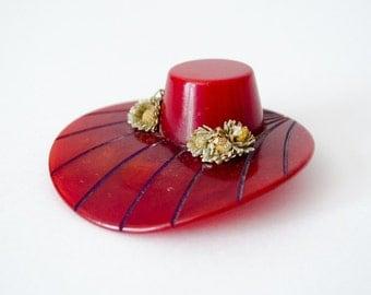 1940s vintage brooch / red bakelite hat novelty brooch / 1940s bakelite brooch