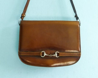 Vintage patent leather purse bag shoulder bag / caramel brown / 60s 70s