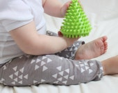 SALE Grey, Gray, White, Triangle, Aztec Unisex, Baby Girl, Baby Boy Knit Leggings Pants
