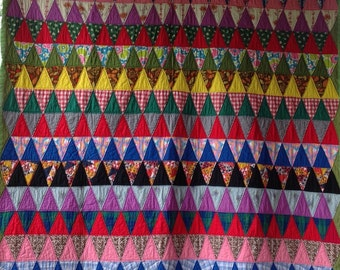 COLORFUL Triangles Antique VINTAGE Quilt EXCELLENT Shape