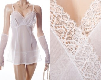 Delightfully feminine 'Hefferich' soft incredibly sheer ivory white Perlon and delicate lace detail 60's vintage mini slip / camisole - 3625