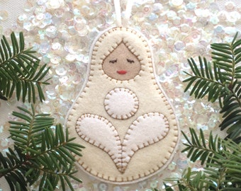 Christmas ornament - nesting doll - matryoshka - handcrafted from 100% wool felt - Christmas and Holiday decor