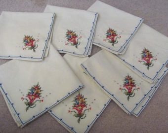Set of 7 Vintage Ivory Cotton Embroidered Dinner Napkins 16""