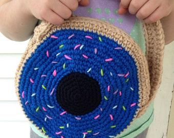 Kimmy Gibbler-inspired, Crocheted Donut Purse / Blue