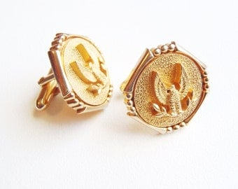 Classic Gold Tone Swank Cuff Links Eagle w Raised Wings Vintage c. 1960 Octagonal Cufflinks Bright Gold Plating Great Design Very Nice Cond.