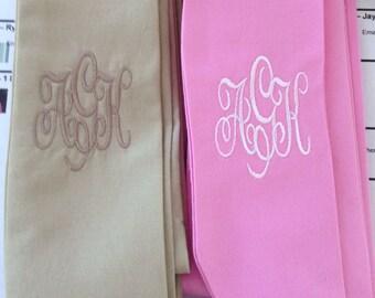 Hot pink belt, no monogram