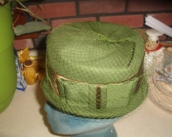 vintage ladies hat green peachfelt wool fascinator netting