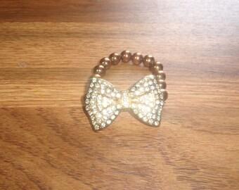 vintage bracelet stretchy lucite beads rhinestone bow