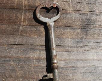 Antique Heart Bow Skeleton Key