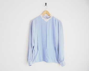Vintage 80s Blouse. Baby Blue Pleated Blouse with Lace Collar. Pretty Feminine Twee Blouse. Airy Light Blue Top with Keyhole. Sweet Charming