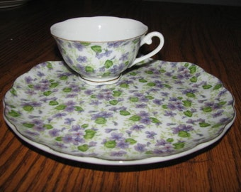 Set Vintage Porcelain violet  plate and teacup
