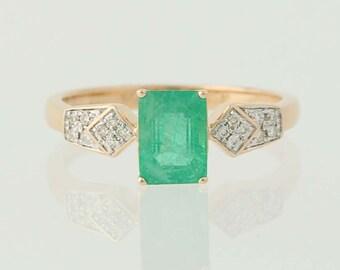 Emerald & Diamond Ring - 14k Yellow Gold Birthstone Women's 0.94ctw N2635