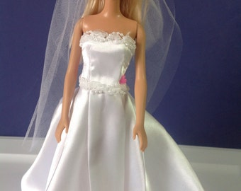 White wedding gown and veil for 11-1/2 in doll