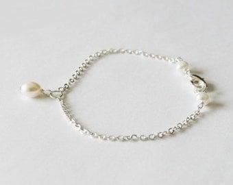 Fresh water pearl infinity bracelet, real pearl bracelet, bridesmaid bracelet, infinity bracelet, Bridesmaid jewelry, flower girl gifts