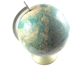 Rand McNally World Portrait Globe - USA - Vintage
