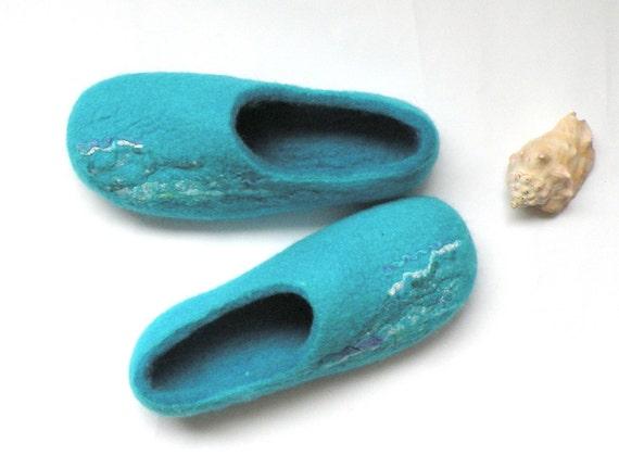 felted slippers Blue Lagoon handmde slippers turquoise blue slippers