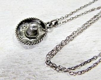 Antique MEXICAN Mini Sombrero Hat Pendant, Vintage MEXICAN Sterling Silver Necklace, Delicate Cable Chain, 1940s 1950s Antique Fine Jewelry