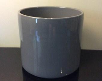 Gainey Ceramics California Grey Planter AC-12