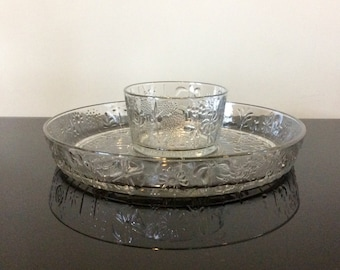 Nuutajarvi Notsjo Finland Flora Glass Chip Dip Bowl and Platter Designed by Oiva Toikka