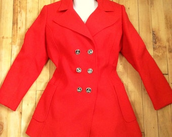 French Designer 1960s Woman Gabardine Wool Feminine Fitted Jacket Coat - Eye Catcher Red Color - London Mod Style - Made in France - M