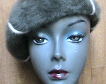 Kangol 1960s Woman French Beret Hat - Luxurious Dark Olive Green Angora - Made in Engand - New - S/M