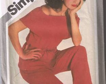 Simplicity 5103 Misses' Pullover To & Straight Leg Pants Size 10- UNCUT Factory Folded