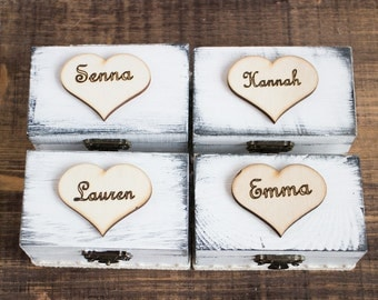 Will You Be My Bridesmaid White Proposal Box Maid Of Honour Set Of 4 Bridesmaids Gift Bridal Party Gift Box Personalized Message in a Chests