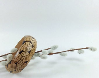 Wood bangle - pyrography - geometric pattern - BKInspired
