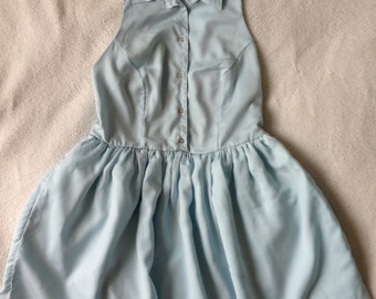 Light blue cut-out with collar dress